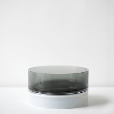 smoke palette 5″H x 9″Dia (13x23cm)
