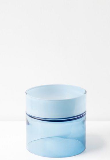 blue palette 8.5″H x 9″Dia (22x23cm)