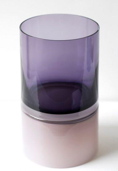 purple palette 18″H x 9″Dia (46x23cm)