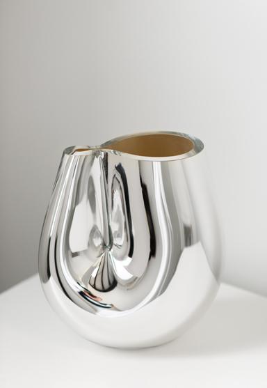 medium/silver 11″H x 10″W (28x25cm)