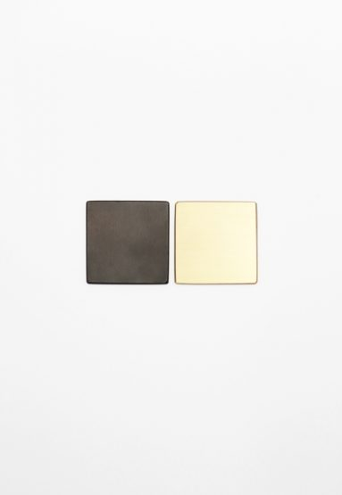 metal finishes available: dark oxidized, brushed brass